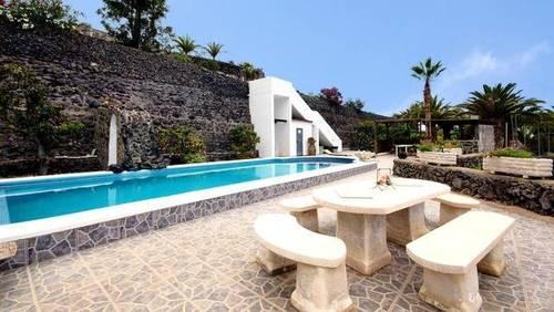 imagen 3 de Venta de casa rural de lujo en Alcala (Tenerife)