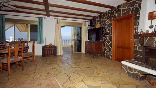 imagen 6 de Venta de casa rural de lujo en Alcala (Tenerife)