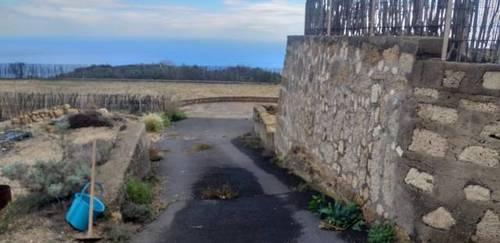 imagen 2 de Venta de terreno con tres cuevas Güímar (Tenerife)
