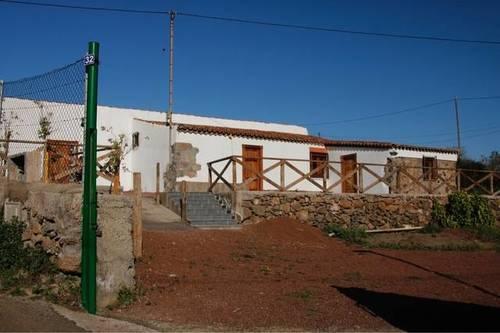 imagen 1 de Venta de casa rural con terreno en San Cristóbal de la Laguna (Tenerife)