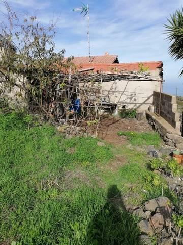 imagen 2 de Venta de terreno rústico cn cuarto de aperos en Icod de los Vinos (Tenerife)