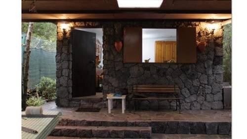 imagen 4 de Venta de terreno con cuarto de aperos, luz y y agua en Garachico (Tenerife)
