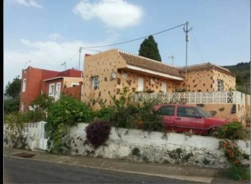 imagen 1 de Venta de terreno con dos viviendas en Icod de los Vinos (Tenerife)