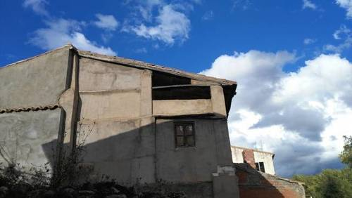 imagen 4 de Venta de terreno con vivienda en Villalba baja (Teruel)