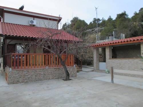 imagen 1 de Venta de casa rural con terreno en La Fresneda ((Teruel)