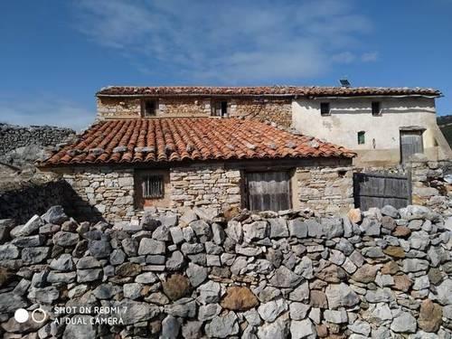 imagen 1 de Venta de masía con gran finca en Mosqueruela (Teruel)