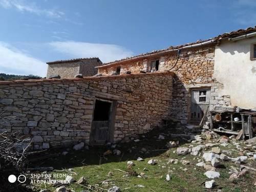 imagen 2 de Venta de masía con gran finca en Mosqueruela (Teruel)