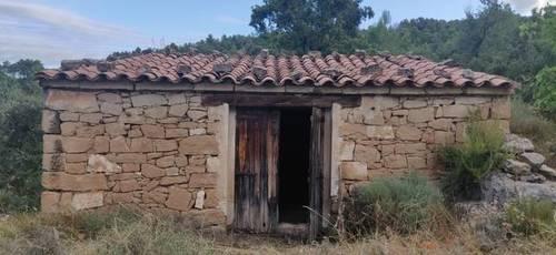 imagen 1 de Venta de finca rústica con caseta en Valderrobres (Teruel)