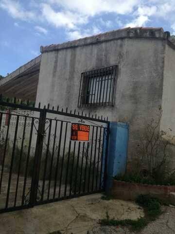 imagen 1 de Venta de casa rural con terreno en Llauri (Valencia)