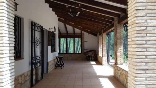 imagen 1 de Venta de finca con casa rural en Requena