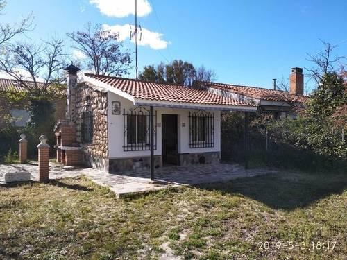 imagen 1 de Venta de terreno con casita en Traspinedo (Valladolid)