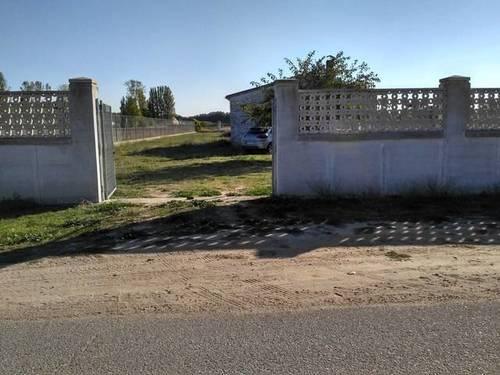 imagen 1 de Venta de terreno con casita en la Cistérniga (Valladolid)