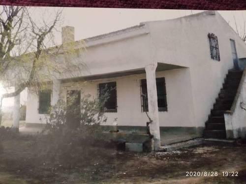 imagen 1 de Venta de terreno con vivienda a reformar en Matapozuelos