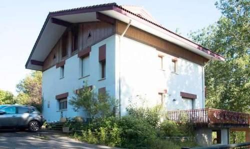 imagen 1 de Venta de finca con casa rural en Zamudio (Vizcaya)
