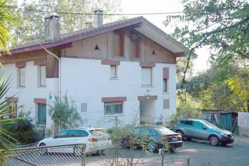 imagen 5 de Venta de finca con casa rural en Zamudio (Vizcaya)