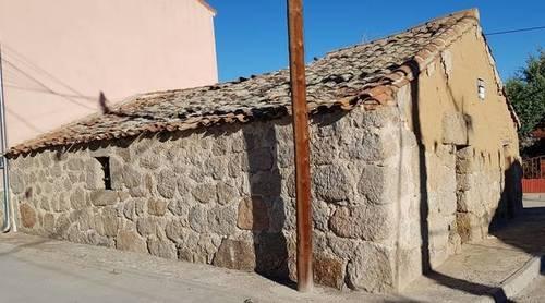 imagen 1 de Venta de antigua casa de pueblo en La Torre (Ávila)