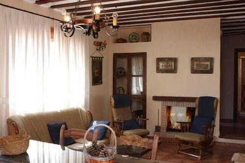 imagen 3 de Venta de casa antigua rural y reformada en Almodóvar del Pinar (Cuenca)