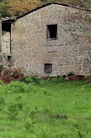 imagen 1 de Venta de casa rústica de piedra y terreno
