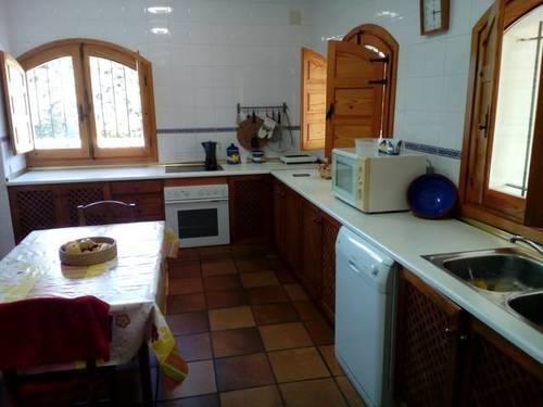 imagen 1 de Venta de vivienda en entorno rural con parcela en Villar de Plasencia (Cáceres)