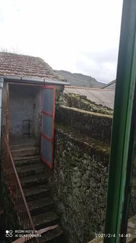 imagen 5 de Venta de casa para reformar en la montaña Calvos de Randin (Ourense)