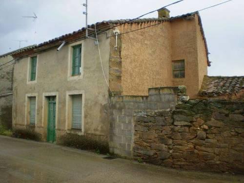 imagen 1 de Venta de casa rural en Villar de Farfón (Zamora)