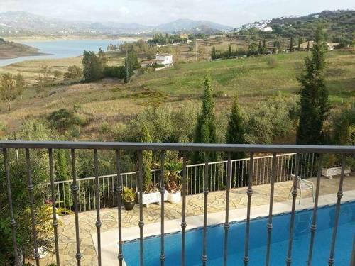 imagen 8 de Venta de lujosa casa rural en La Viñuela (Málaga)
