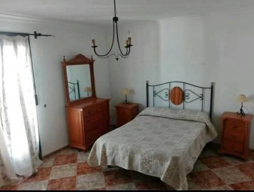 imagen 4 de Venta de casa de pueblo reformada en arales (Málaga)