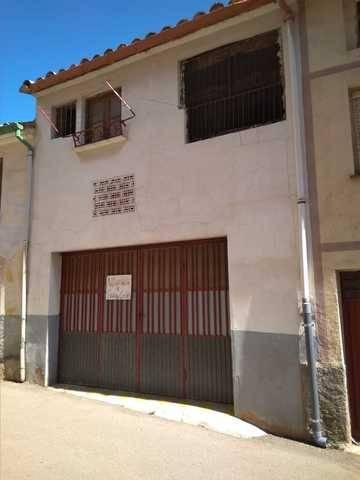 imagen 5 de Venta de casa rural a reformar en Alcorisa (Teruel)