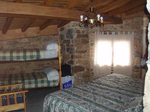imagen 5 de Venta de casa rural rodeada de montañas en Ladrillar (Cáceres)