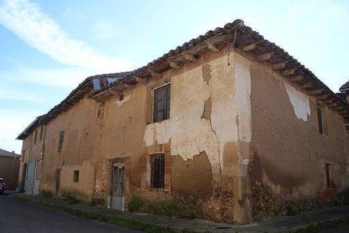 imagen 1 de Venta de casa rural a restaurar en Villarroañe (León)