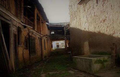 imagen 3 de Venta de casa rural a restaurar en Villarroañe (León)