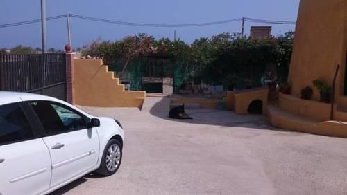 imagen 1 de Venta de casa rural con terreno en Roquetas de Mar