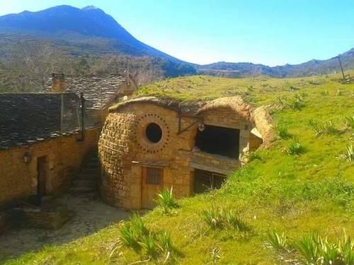 imagen 1 de Venta de granja ecológica con vivienda en Santa Cruz de La Seros  (Huesca)