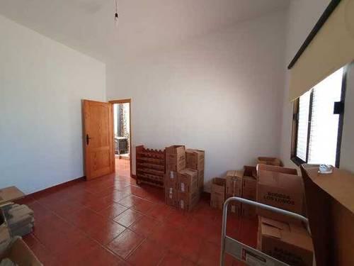imagen 2 de Venta de bodega en El Pinar (El Hierro)