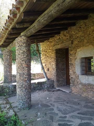 imagen 1 de Venta de espectacular finca con casa rural en Madroñera (Cáceres)