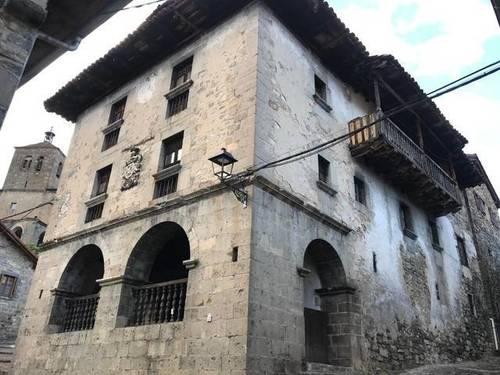 imagen 1 de Venta de espectacular casa rural señorial en Roncal