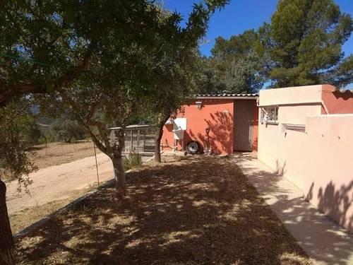 imagen 2 de Venta de casa rural con terreno en Flix