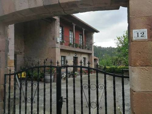 imagen 1 de Venta de casa de piedra en Cartes (Cantabria)