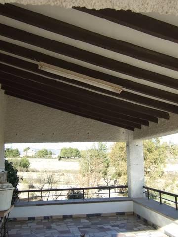 imagen 2 de Venta de casa de campo con terreno y piscina en Elda