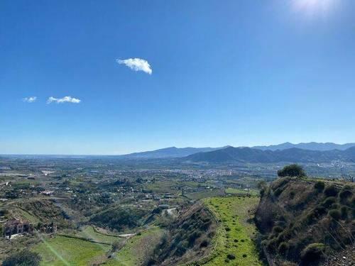 imagen 1 de Venta de finca rústica con vistas a la Bahía de Málaga