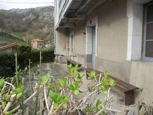 imagen 3 de Venta de  casa rural con cuadra en Melendreros