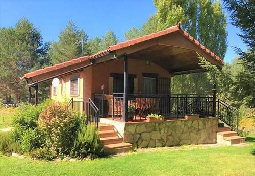 imagen 1 de Venta de parcela con casa rural en Hoyos del Espino (Ávila)