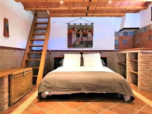 imagen 7 de Venta de parcela con casa rural en Hoyos del Espino (Ávila)