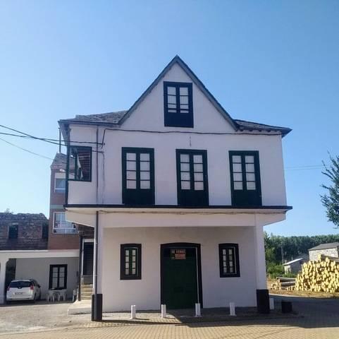 imagen 2 de Venta de casa de pueblo en Cacabelos