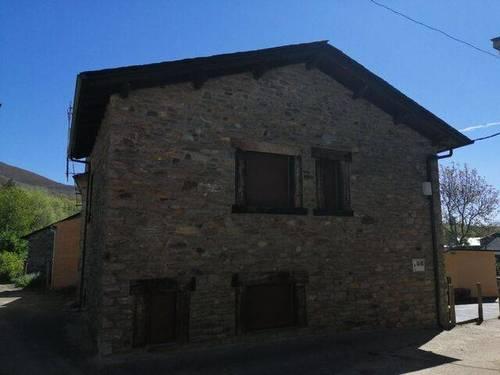imagen 7 de Venta de casa rural en Vigo de Sanabria (Zamora)