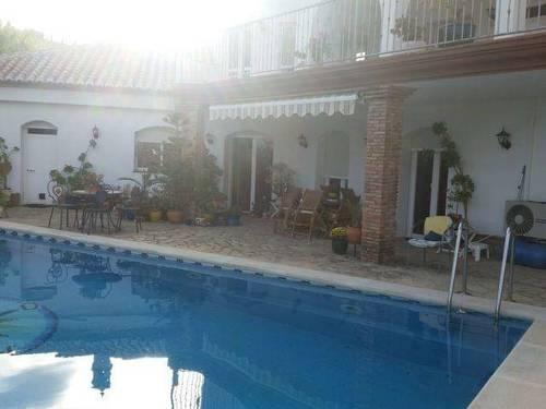imagen 2 de Venta de lujosa casa rural en La Viñuela (Málaga)