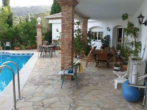 imagen 3 de Venta de lujosa casa rural en La Viñuela (Málaga)