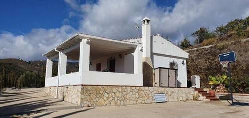 imagen 1 de Venta de casa de campo en Nerja (Málaga)