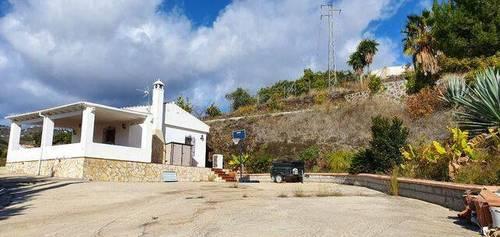 imagen 3 de Venta de casa de campo en Nerja (Málaga)