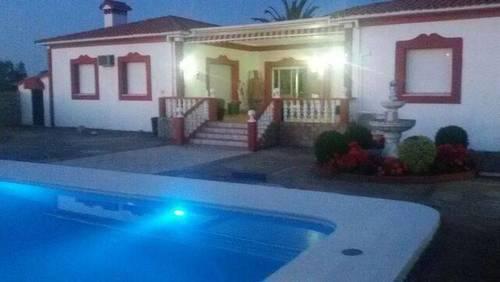 imagen 1 de Venta de finca con vivienda en Valencia de Alcántara